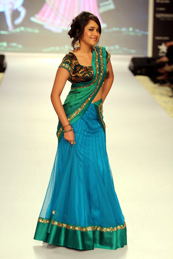 blue net half saree