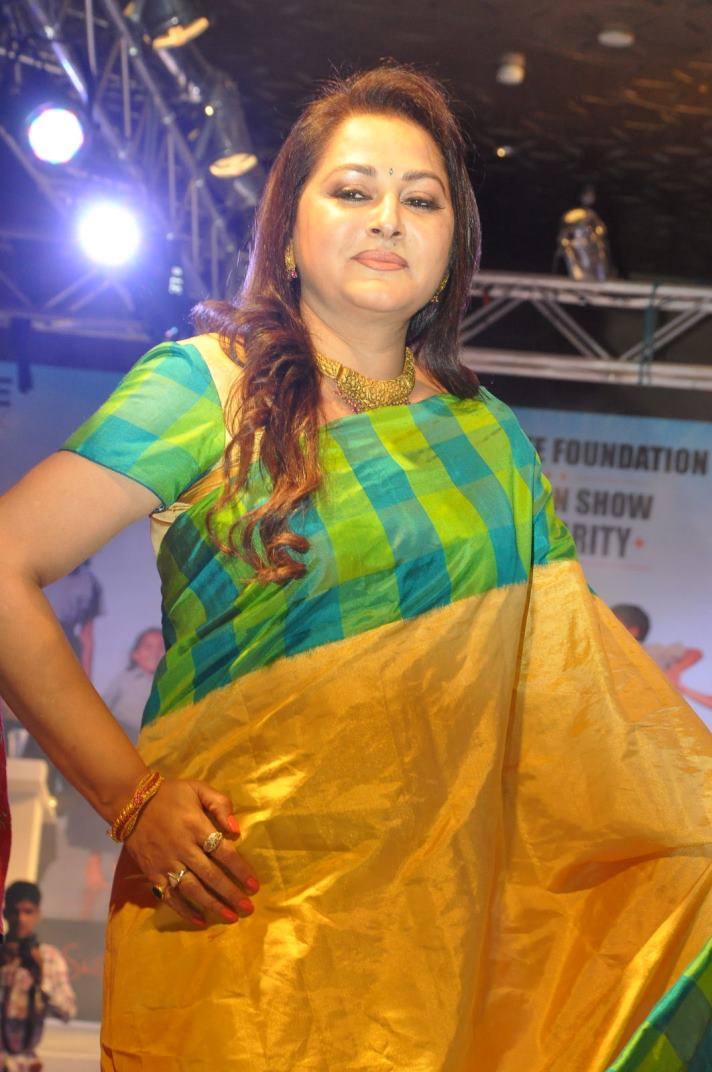 jayapradha-ramp-walk-at-passionate-foundation-fashion-show