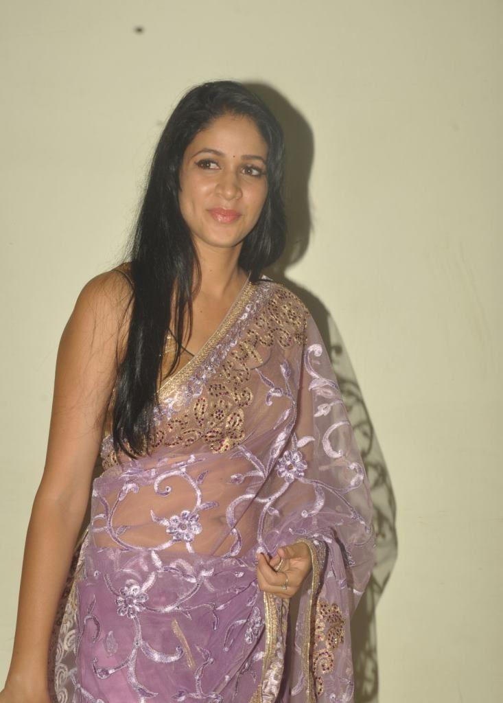 lavanya-in sleevless saree blouse