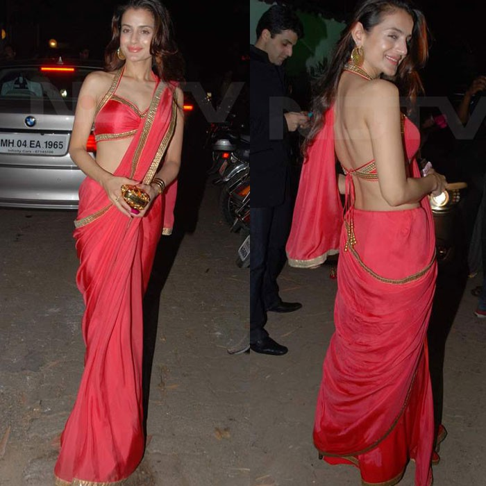 peach-satin-saree-amisha-patel-celebrity-closet-sari