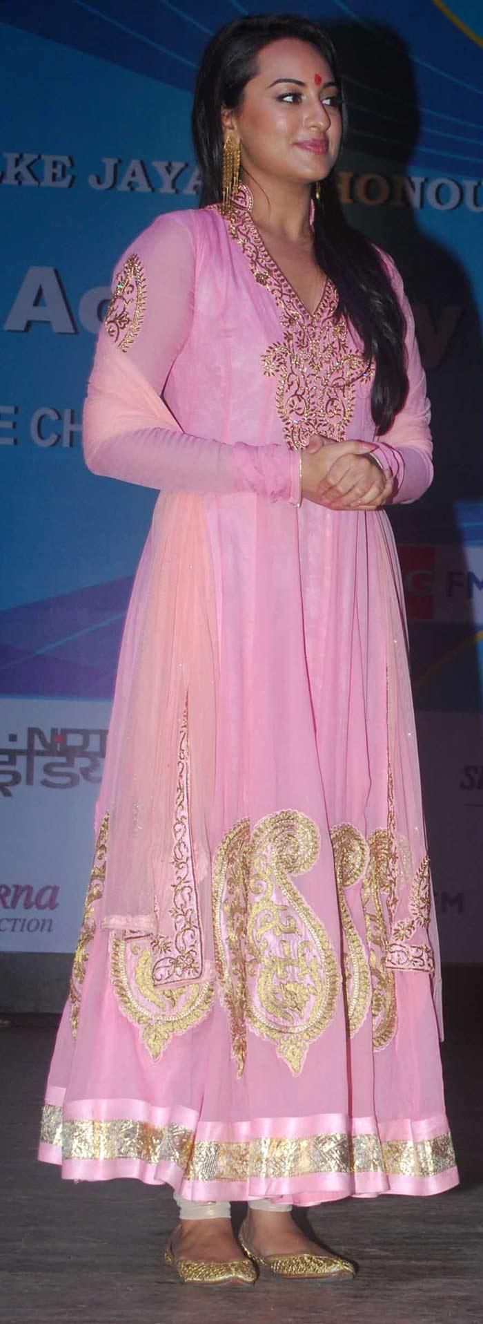 sonakshi in pink anarkali dress