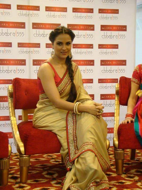 lara dutta in designer saree