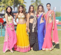 Models in sarees at Kingfisher Calender 2014 launch