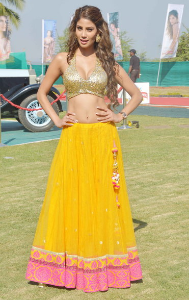 model in yellow lehenga