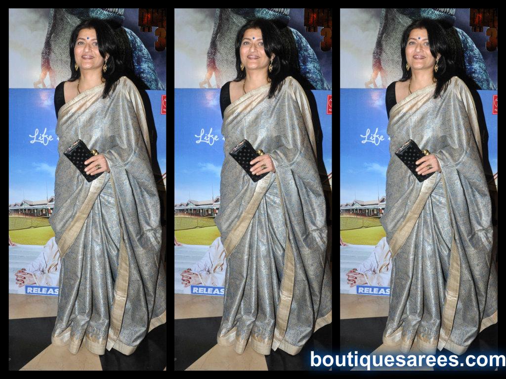 sarika in printed silk saree