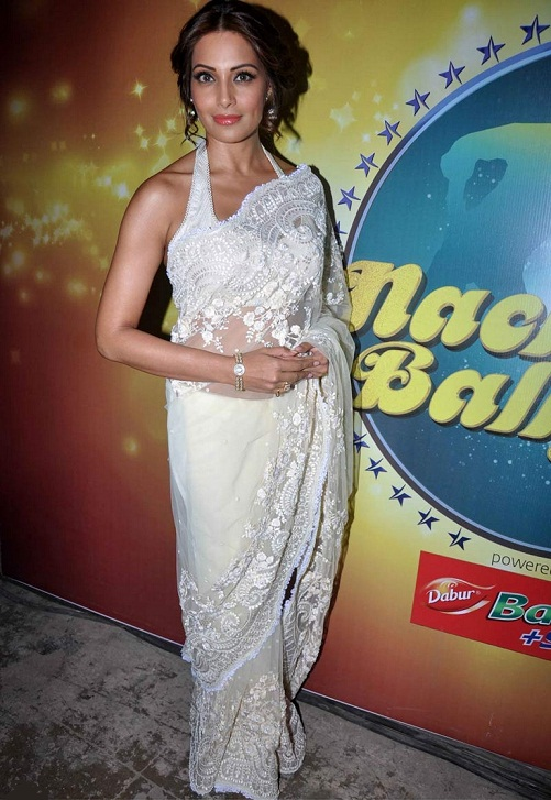 bipasha basu in white saree