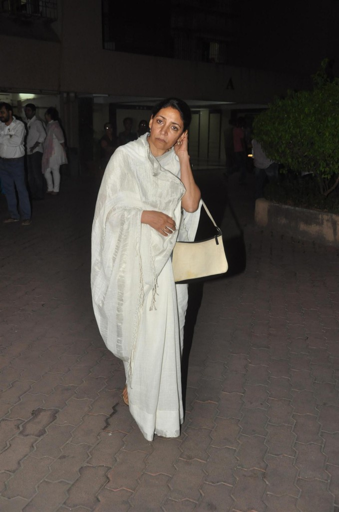 deepti naval in white saree blouse