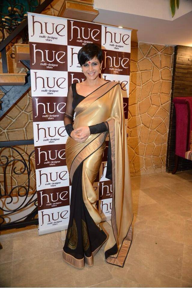 manidra bedi in dualcolor saree