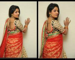 esha ranganath in half saree
