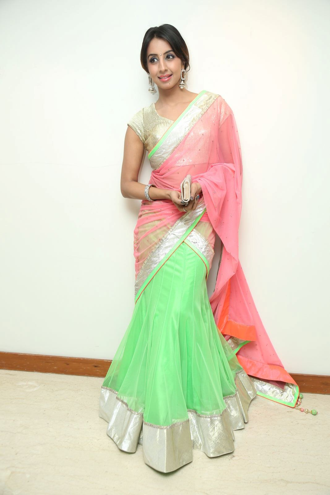 Actress Sanjana New Photos
