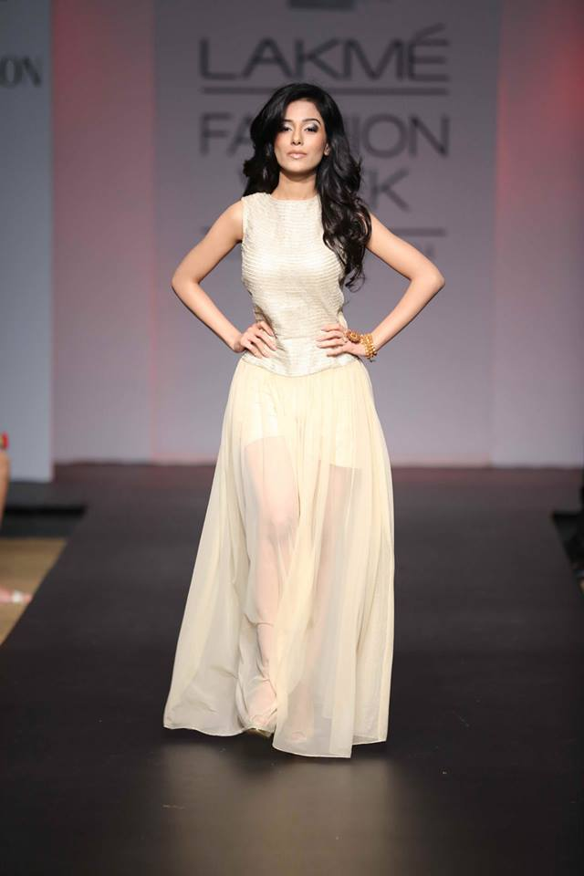 AMRITA RAO IN SONAM AND PARAS MODI