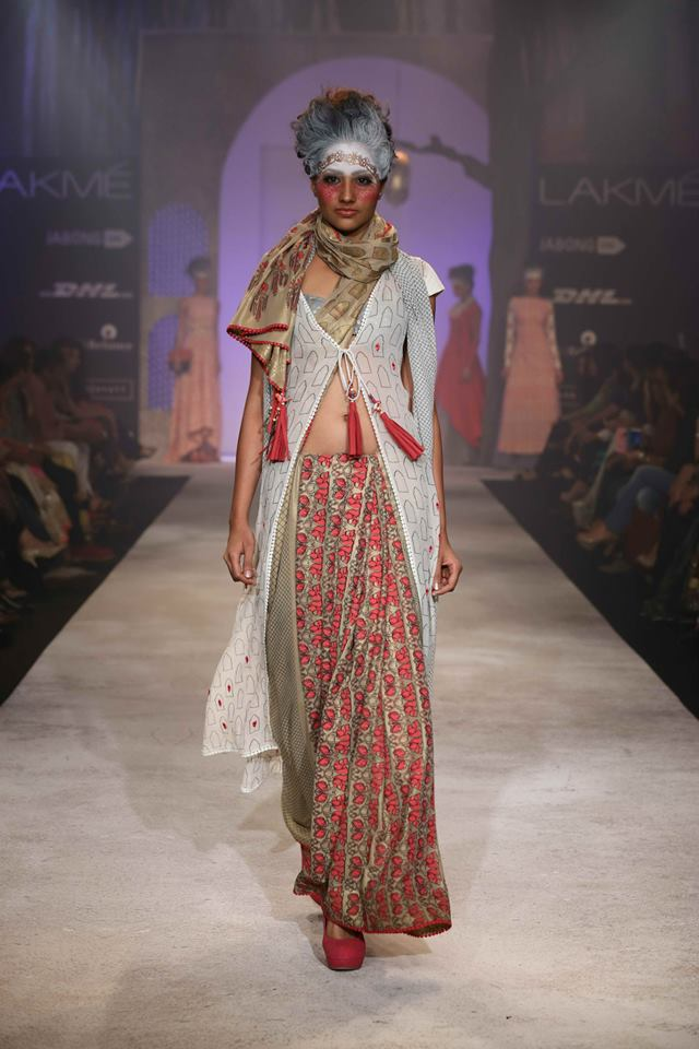 ANJU MODI SAREE COLLECTION AT LAKME FASHION WEEK 2014