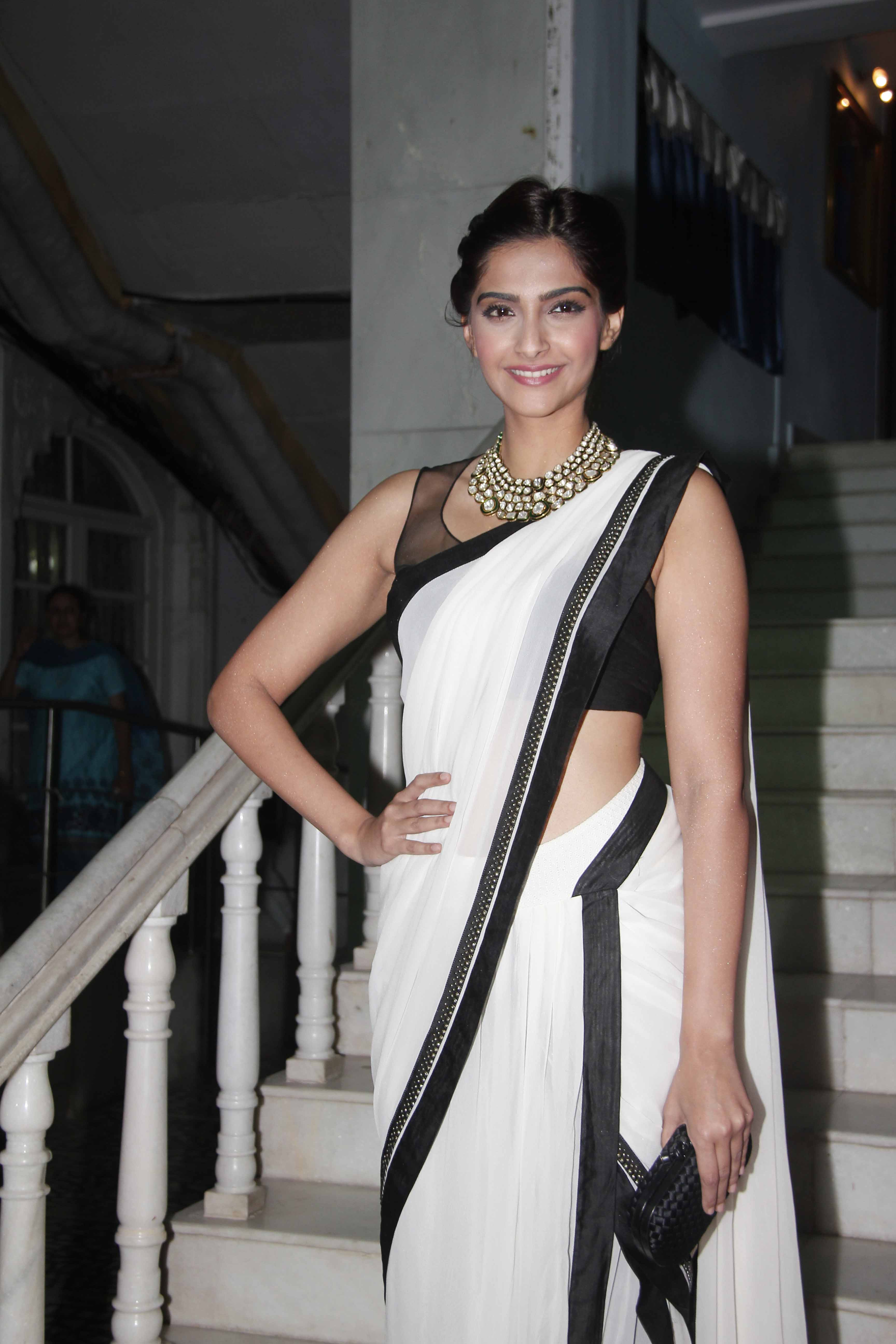 Sonam Kapoor in Tarun Tahiliani Sari