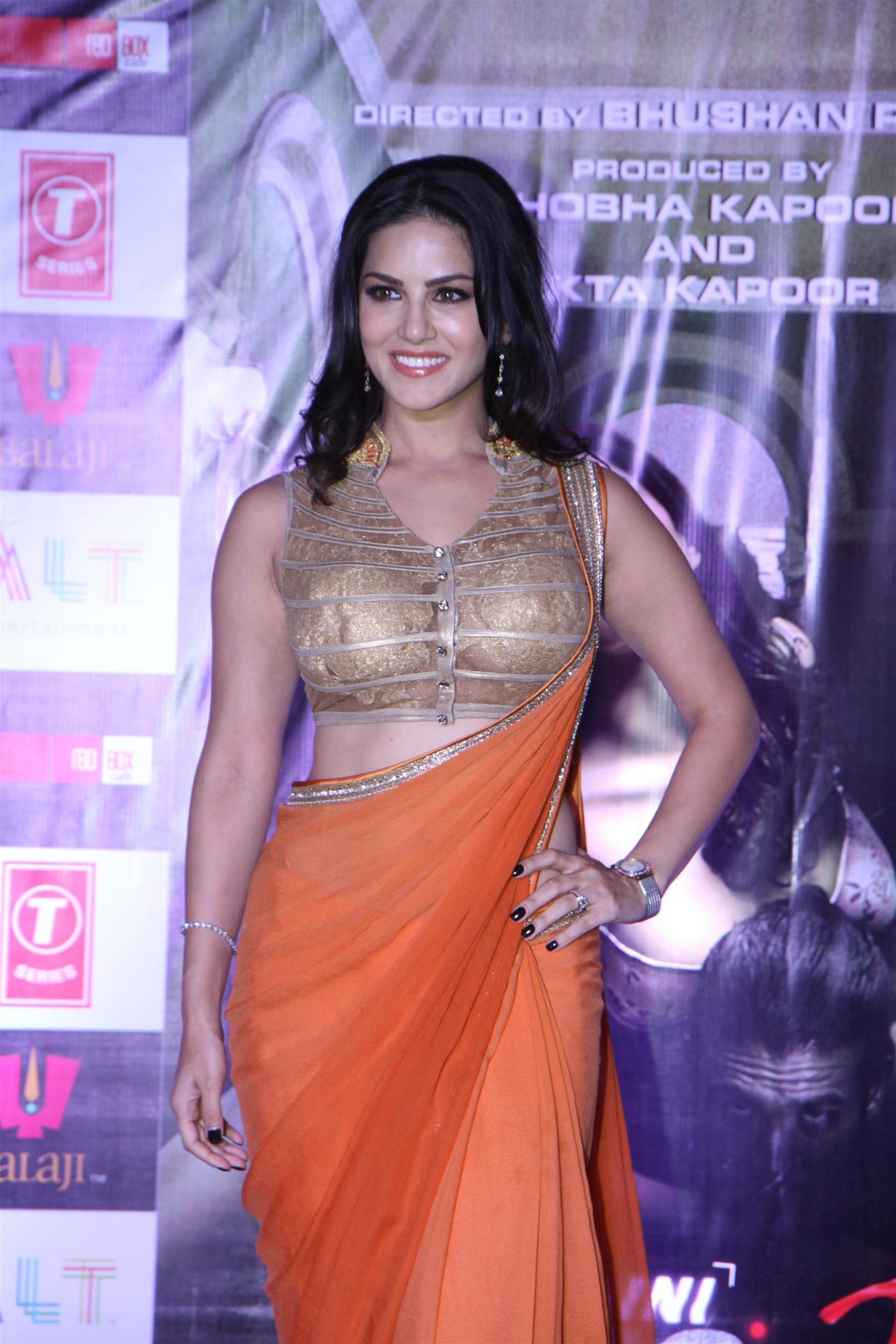 Sunny-Leone in orange sari