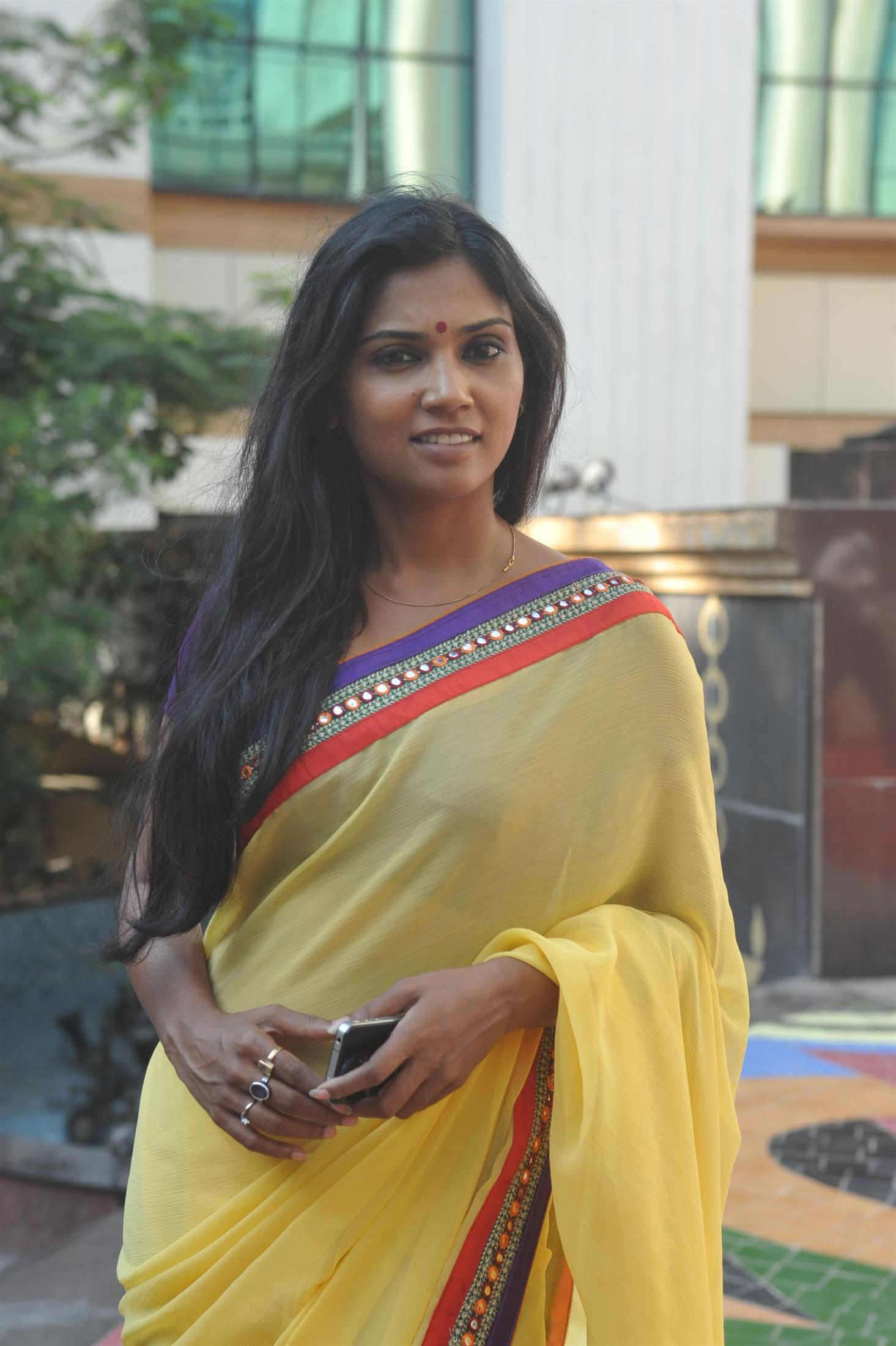 Usha Jadhav in plain saree