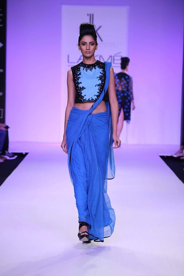 blue plain saree