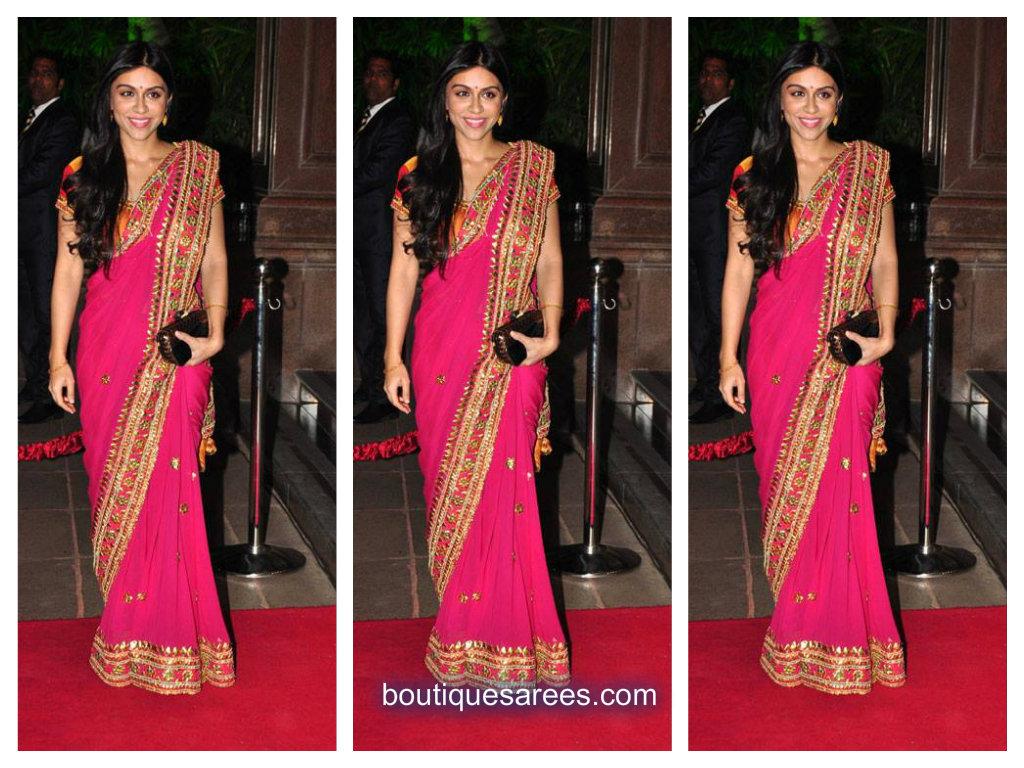 Zoa Morani in pink saree