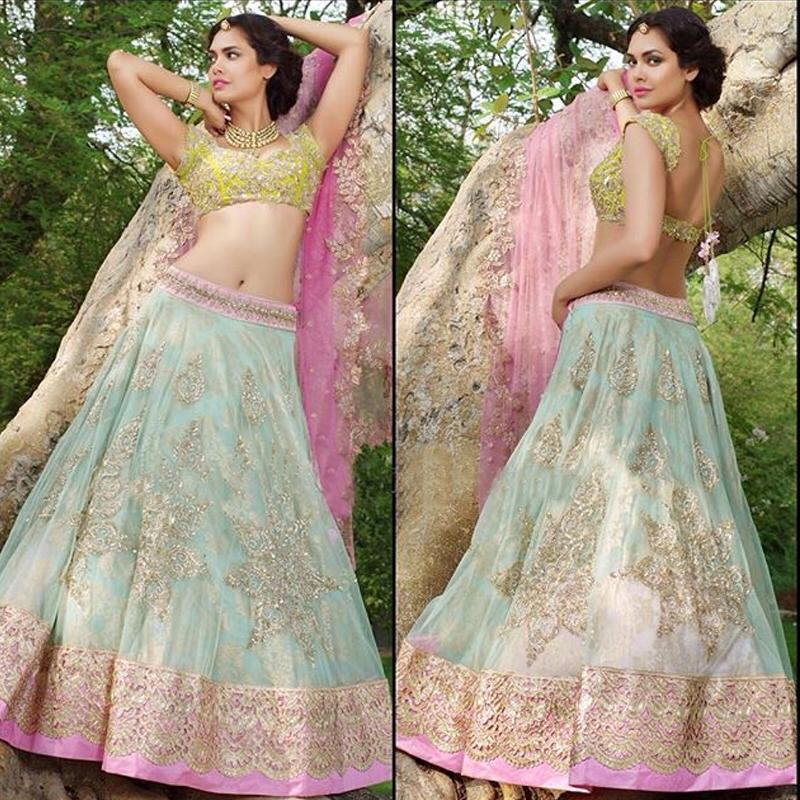 Esha Gupta in anushree reddy