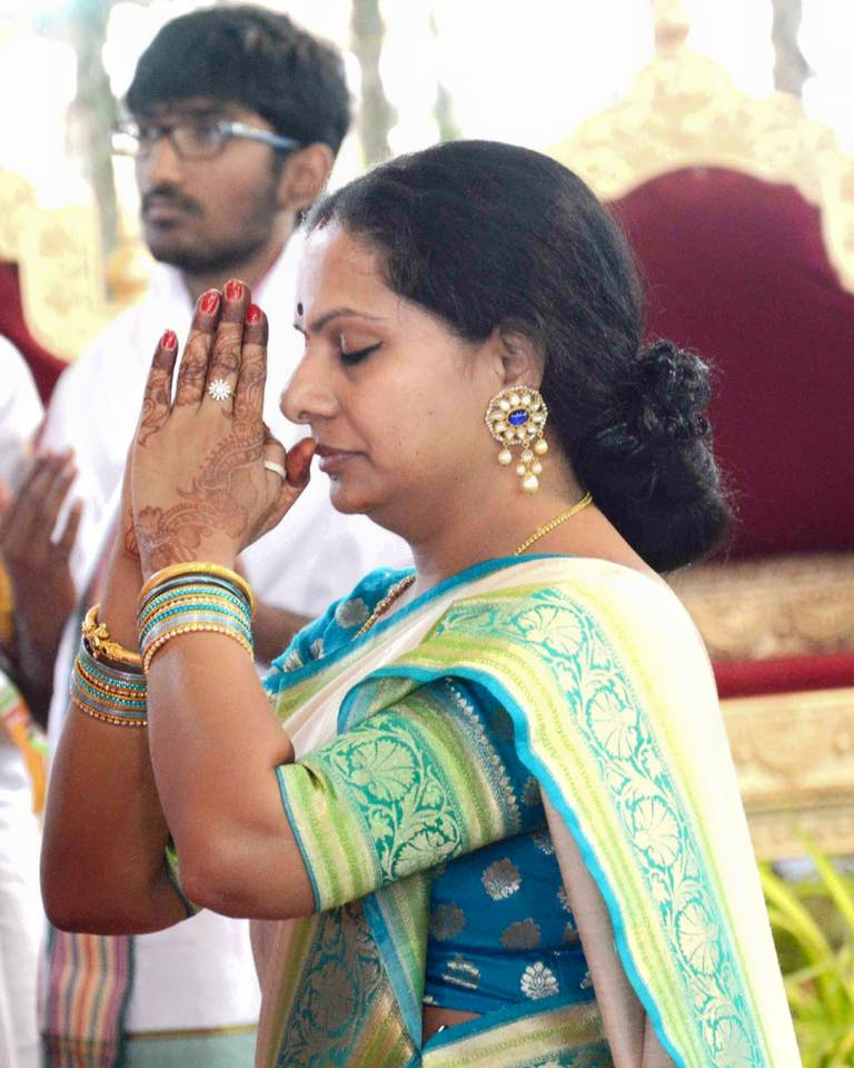 kavitha in silk saree white