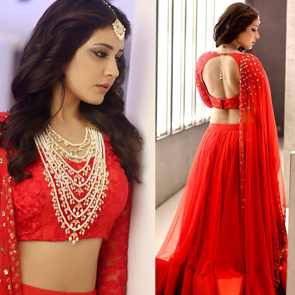 Raashi Khanna in red saree