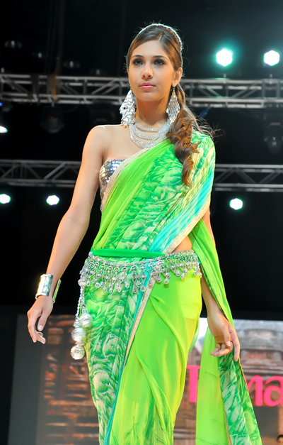 shoulderless saree blouse.